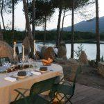 Casa di l'onda dinez sur la terrasse en couple ou en famille avec vue sur le lac