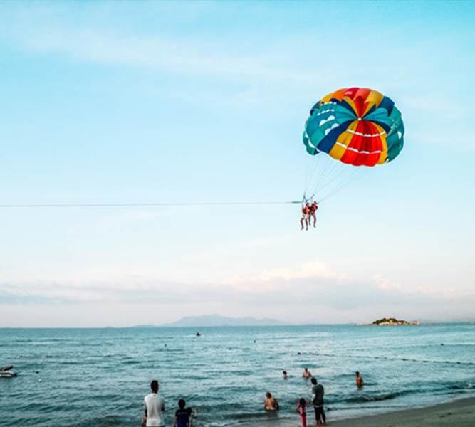 Parachute en mer sur les plus belles plages de Corse au domaine Casa di l'Onda